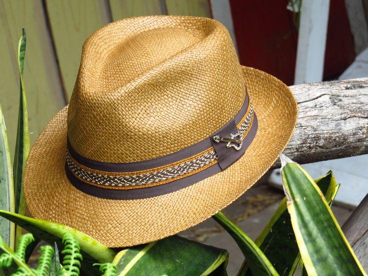 Tejido 100% a Mano. Detalles elaborados con tradición Artesanal. Sombrero Panamá, Panamá Hat.