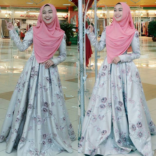 Tampil girly ala Ricis dengan hijab syar'i.