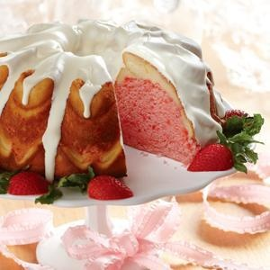 Strawberry Cream Cheese Ribbon Cake from Eagle Brand®