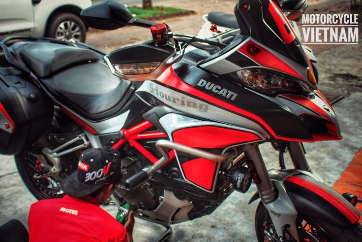 MOTORCYCLE VIETNAM  DUCATI Multistrada 1200 Service and repair