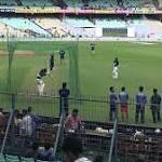 LIVE Cricket Score India vs Sri Lanka 1st Test Day 3 at Kolkata: Thirimanne Mathews bring up 50-run stand