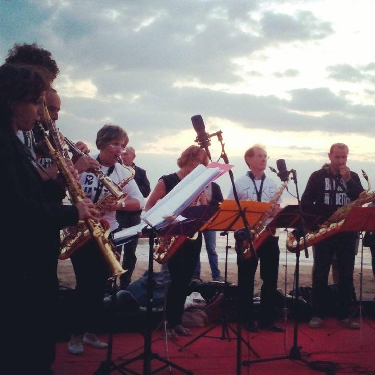 Concerto all'alba, Playa del Sol. Orchestra Hallo Mr Sax.