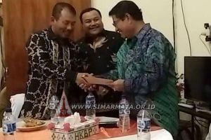 Walikota Bekasi Dr. H. Rahmat Effendi Sambangi Ephorus HKBP di Pearaja