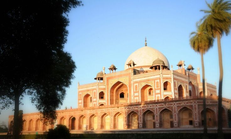 The city boasts of its rich cultural heritage. Humayun Tomb combines Persian style with local craftsmanship, and is surrounded by the fiercely symmetrical Mughal gardens: take a stroll here at dusk.