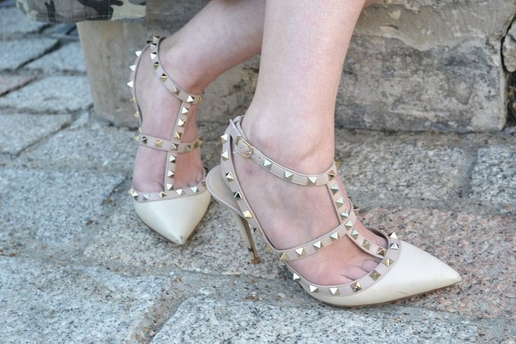 Studded pointed court shoes