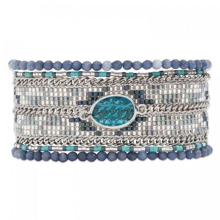 The Hipanema Eternity is an ethnic chic handmade braceletcovered witha mix of navy blue tone beads. The Hipanema Eternity Navy features: A silver-tone magneti