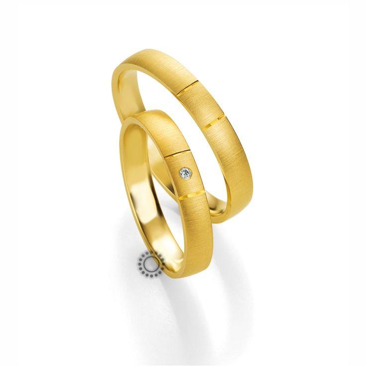 Βέρες γάμου BENZ 011 & 012 - Ιδιαίτερες μοντέρνες ματ χρυσές βέρες Benz με σχέδιο στο κέντρο τους | Κοσμηματοπωλείο ΤΣΑΛΔΑΡΗΣ Χαλάνδρι #βέρες #βερες #γάμου