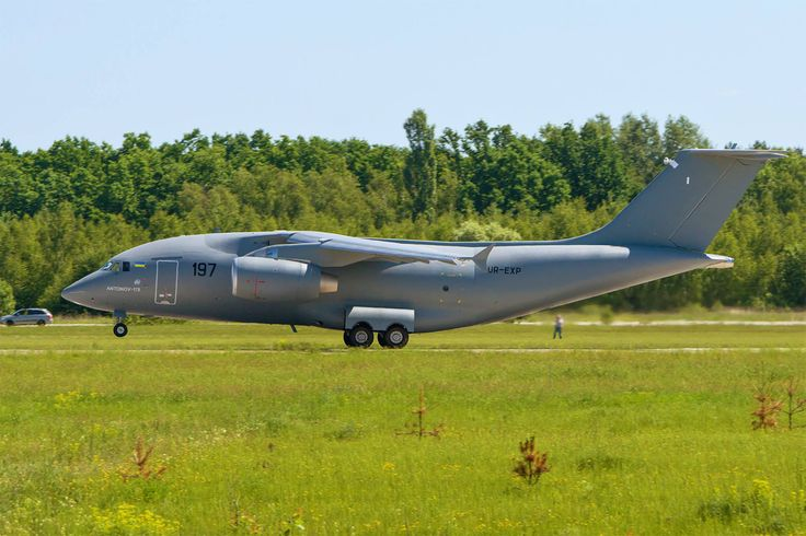 A aeronave do leste europeu é o concorrente direto do Embraer KC-390 (foto - Antonov)