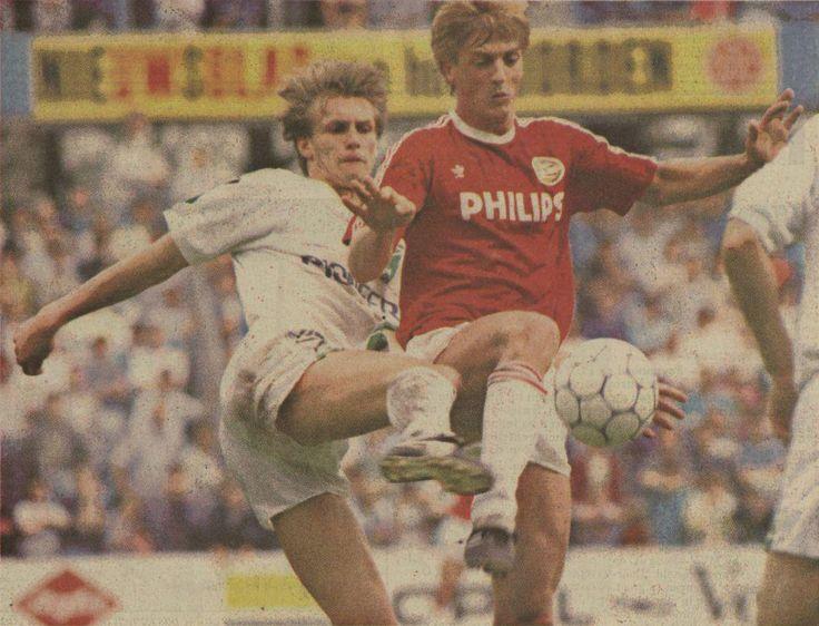 15 mei 1989: #PSV kampioen, #Groningen Europees voetbal. Veenhof in duel met Kieft #gropsv