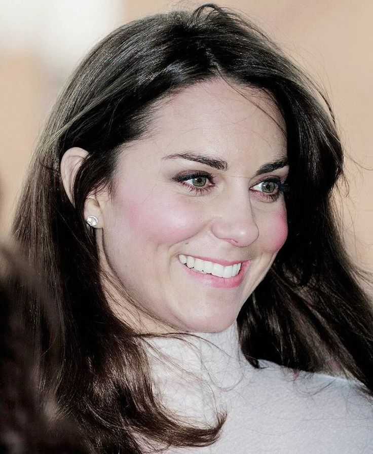 Catherine, Duchess of Cambridge is seen during her visit to Peterborough City Hospital during an official visit to Peterborough on November 28, 2012 in Peterborough, England. . so pretty.♡ . #katemiddleton #duchessofcambridge