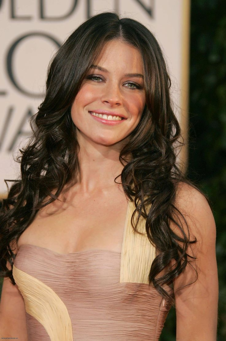 Evangeline Lilly - wavy / curly long hair