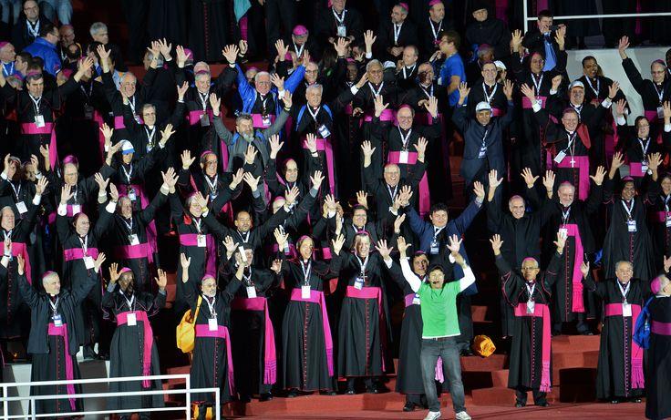 27/7 - Los obispos participan en 'flash mob' en la playa de Copacabana