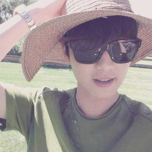 Minhyuk's twitter avi!!