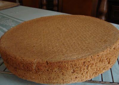 Diós tortalap – tojásfehérjével   Gluténmentes, tejmentes, és a paleo étrendnek megfelelően átalakítható az összetételek tekintetébe...