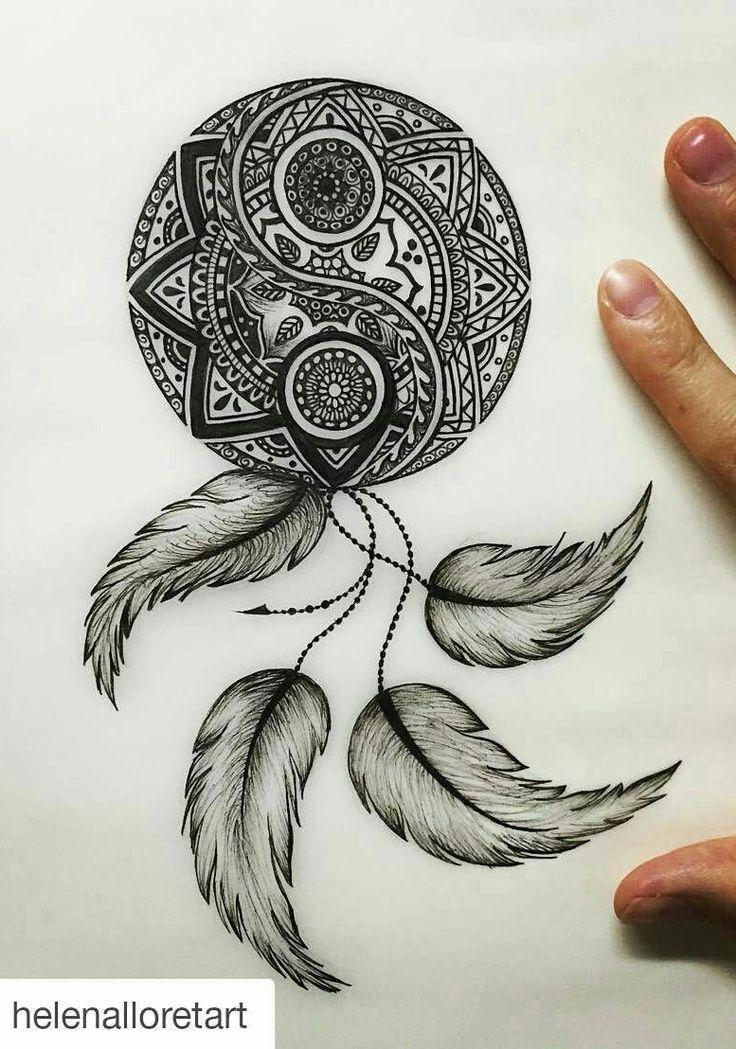 """La mandala """"Desde el punto de vista espiritual es un centro energético de equilibrio y purificación que ayuda a transformar el entorno y la mente de quien medita en ellos"""" ."""