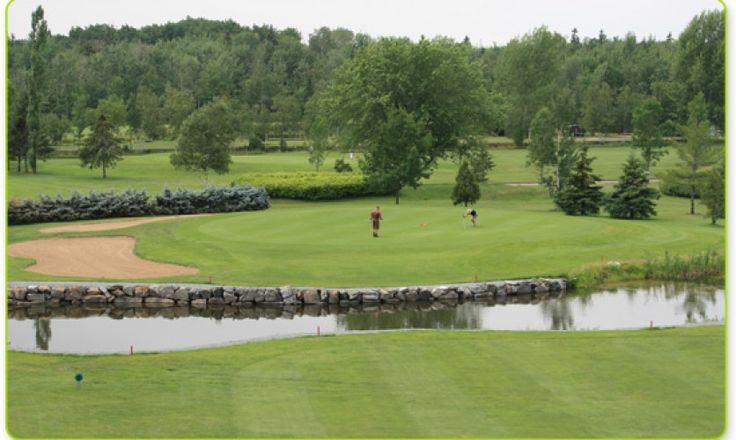 Club de golf Trois-Saumons sur la Côte-du-Sud. Le parcours de 18 trous, à normale 72, d'une longueur de 6 391 verges. bit.ly/1I7eGX7 #golf #ClubdeGolfTroisSaumons