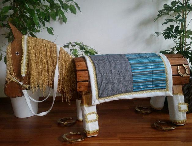 http://de.dawanda.com/product/87228531-satteldecke-gamaschen-und-halfter-fuer-holzpferd