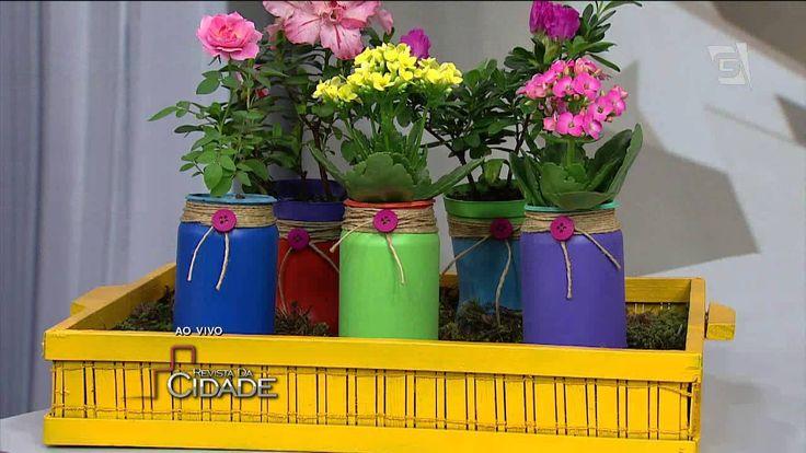 Revista da Cidade-Vaso sustentável com lata de refrigerante