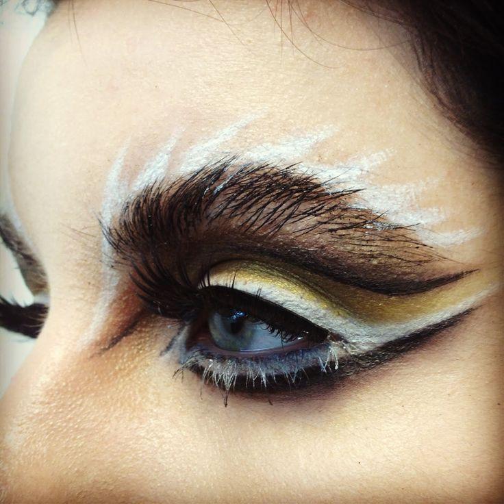 Lion Eyes Makeup Creative eye make-up- animal