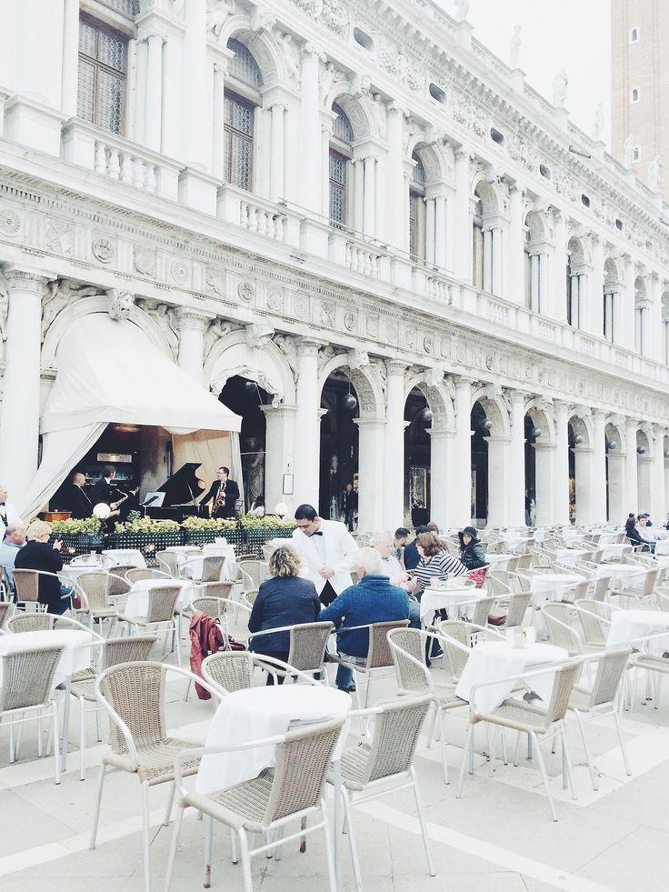 Venice. Italy  #memories #italy #venecia # venice #photography #restaurant #architecture #mate #matephotography #explore #travel #music #summer #journey