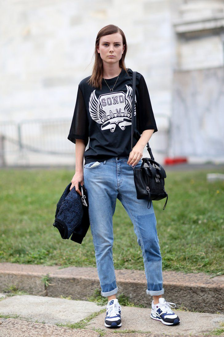Pin for Later: The Supermodels Keep It Sleek on the Streets at PFW Milan Fashion Week She's serious about this athletic-inspired denim look.