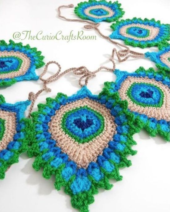 Free Crochet Pattern Peacock Feather Afghan : 1000+ ideas about Peacock Crochet on Pinterest Chrochet ...