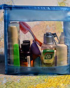 El #neceser de #viaje perfecto. 10 #consejos para hacer la bolsa de #aseo #perfecta. #Consejo 1: La #transparencia es esencial  Lo mejor es tener un neceser transparente y guardarlo en un lugar accesible.  ------------  The perfect travel #cosmetic bag. 10 #tips for the perfect grooming bag. Tip 1: Transparency is essential. It is best to have a clear cosmetic bag and always keep it in an accessible location. #travel #viajar #mochilero #mochilera #wandarlust #blog #consejos #belleza #dys…