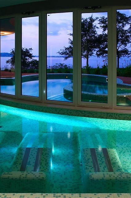 Panorama vetrata Centro Benessere NOTOS by Altafiumara Resort & SPA, via Flickr