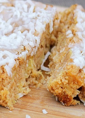 Coconut Breakfast Cake! This recipe is perfect if you have picky eaters because it is so delicious, they will love it! | chocolate covered katie