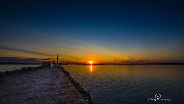 Last Light by Alex B / 500px