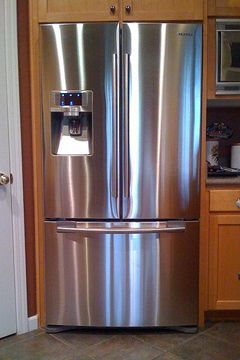 Smudge free your stainless steel appliances with wd 40 - Wd40 on glass shower doors ...