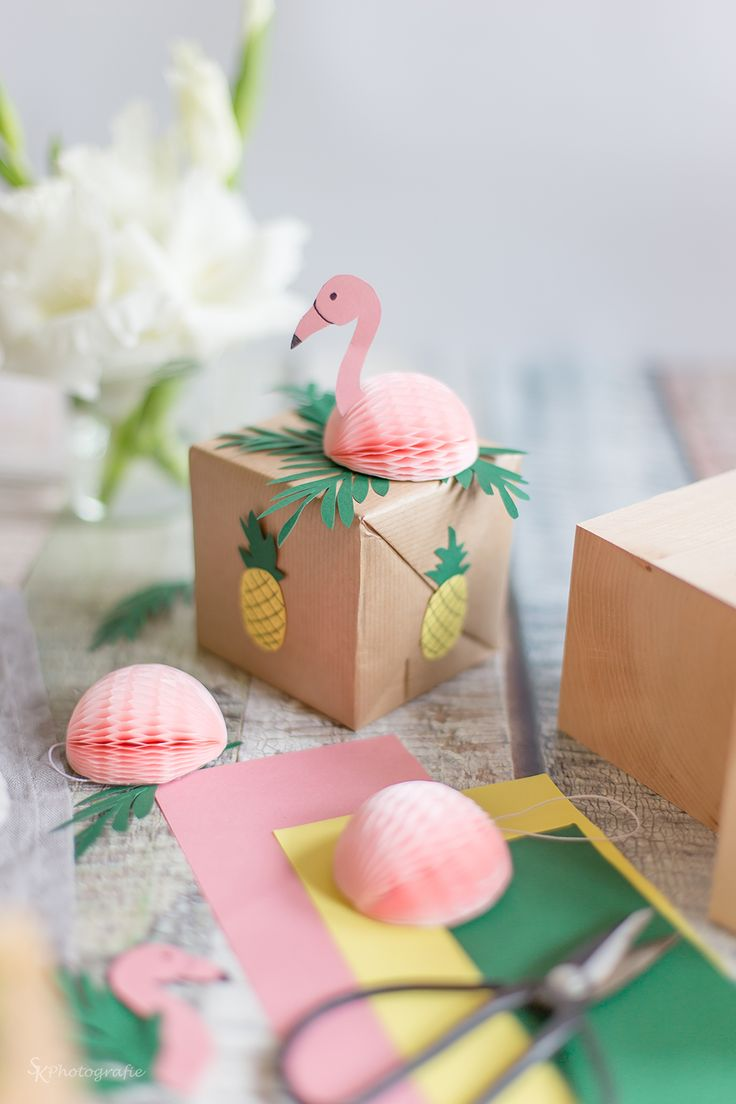This pink flamingo gift garnish gave us a chuckle - and, the pineapple stickers are a great accent to the kraft paper!
