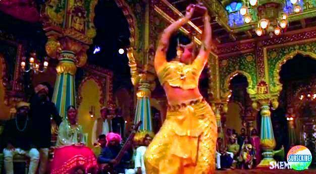 "Hema Malini in ""Mehbooba"":  Carrousel,  Merry-Go-Round,  Whirligig,  Roundabout"