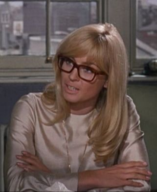 fashion icon! Suzy Kendall in To Sir with Love circa 1967.