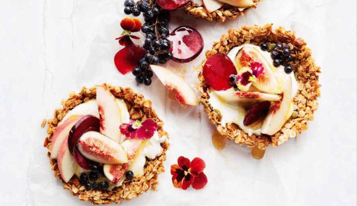 taartjes met fruit en yoghurt