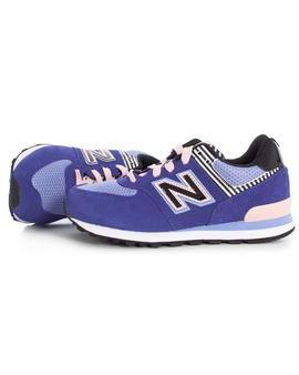 Zapatillas New Balance 574 Junior Morado. El morado es color de moda esta temporada,  ¡No te pierdas nuestras nuevas zapatillas! #zapatillas #newbalance #niña #tiendaonline #moda