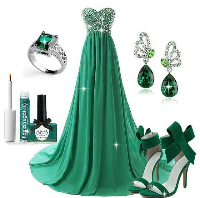 Lindo vestido verde esmeralda! Para una noche de  cocktail.