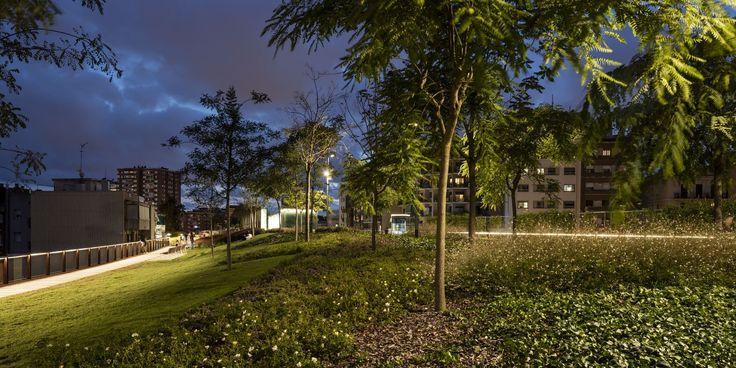 Galería de Jardines elevados de Sants en Barcelona / Sergi Godia + Ana Molino architects - 11