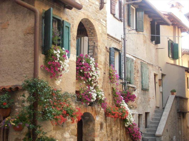 Grado, centro storico, Calle Corbatto, Gorizia, IT