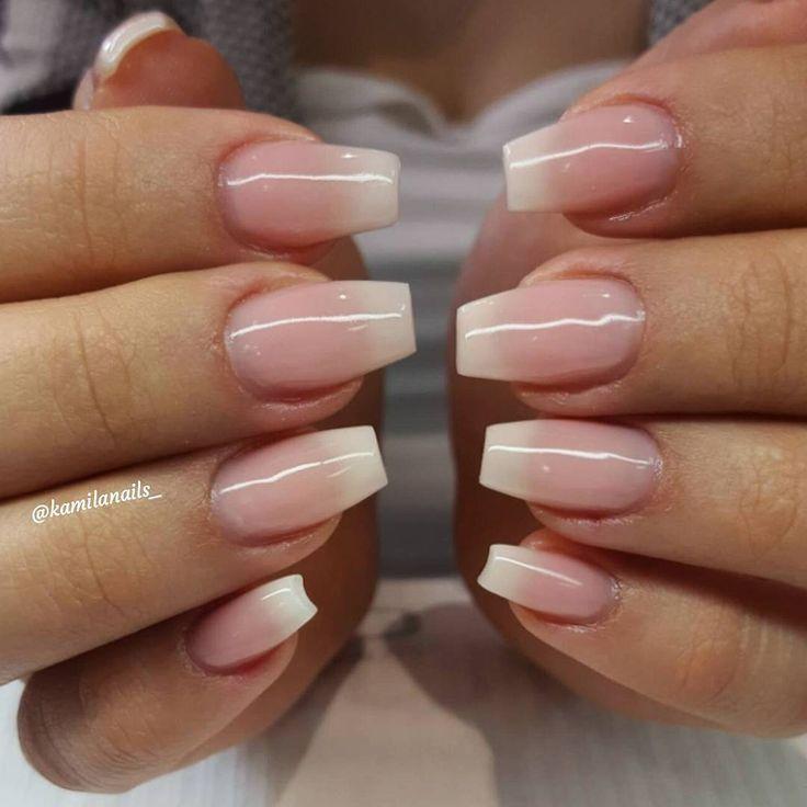 Fade med reqs kallheltäckande rosa och krämvit franskt. För prisuppgifter samt bokning vänligen gå in på WWW.TARAKSALONG.COM eller kontakta mig på 0704819998 @tara.k.skonhetssalong #req#lackgel#shellac#naglar#nails#vackranaglar#nailart#naildesign#hudabeauty#nailswag#gelnails#gelenaglar#nailtrend#nailfashion#nicenails#instanails#stockholm#instadaily#glitter#glitternaglar#gele#gel#jakobsberg#skönhet#järfälla#vegas_nay#picoftheday#reqsverige