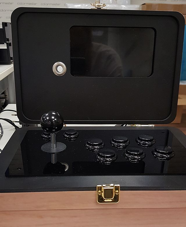 "My latest build. Retropie with Attract mode inside. 6"" hdmi screen. Drawn in illustrator, cutted with cnc."