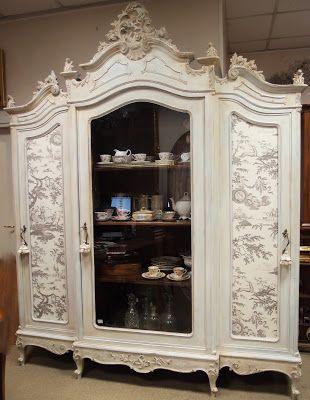Il Blog di Antichità Bellini  : Ultimi arrivi ...la grande vetrina, le poltroncine...