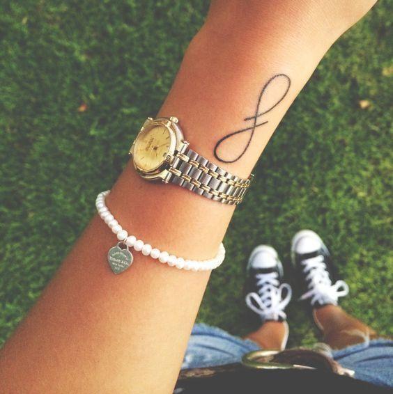 9 kobiecych wzorów na tatuaż. Trendy 2016!