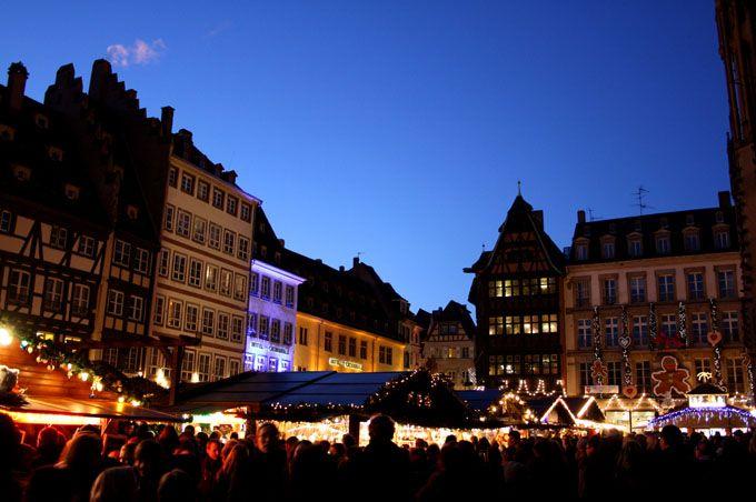 christmas market place de la cath drale strasbourg. Black Bedroom Furniture Sets. Home Design Ideas