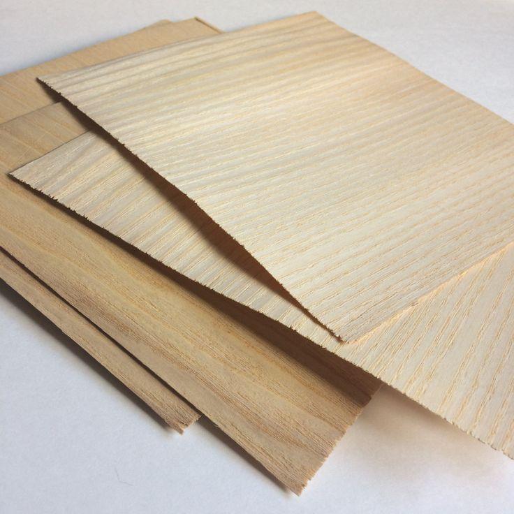 Fogli di legno naturale. Tag di legno. Biglietti di auguri. Card making. Scrapbook. Impiallacciatura frassino e rovere. Set di 10 di LaLaRoomOfWonders su Etsy