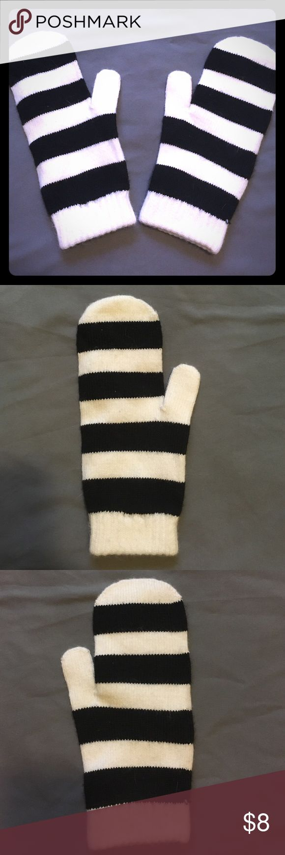 Black and white stripes mittens Warm and cozy mittens! Black and white stripe design, H&M Accessories Gloves & Mittens