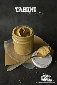 TAHINI HECHO EN CASA    El tahini es una pasta hecha del ajonjolí y se puede usar en ensaladas, falafel, hamburguesas, hummus, etc. Es muy nutritivo y fácil de hacer.