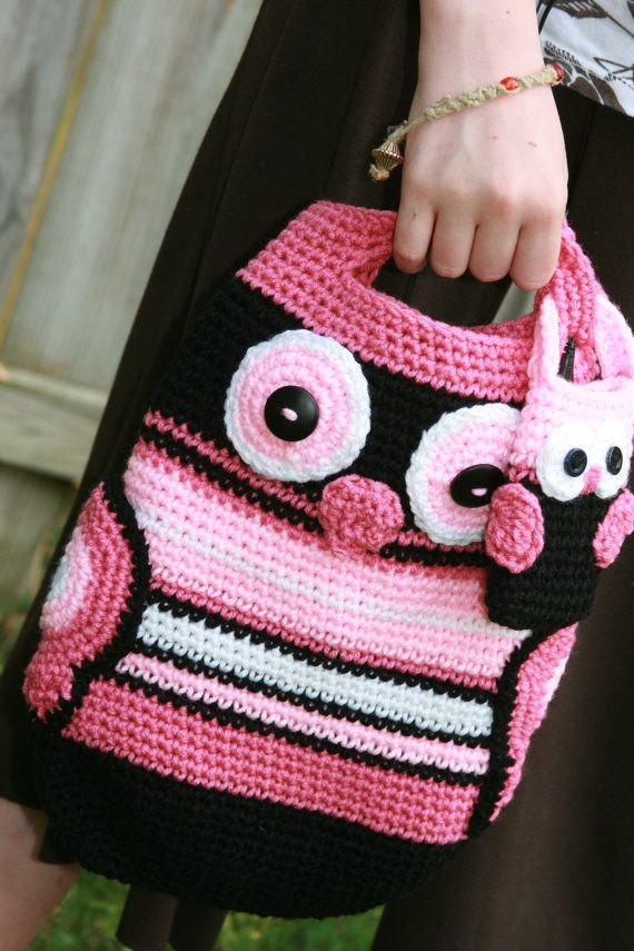 """""""Pinky"""" the crochet owl tote. Loving the baby owl hanging on the side!"""