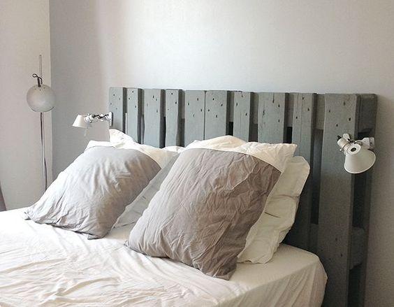 Une tête de lit simple à fabriquer avec des palettes