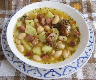 W Mojej Kuchni Lubię.. : szybkowar-zupa fasolowa z boczkiem i kiełbasą...